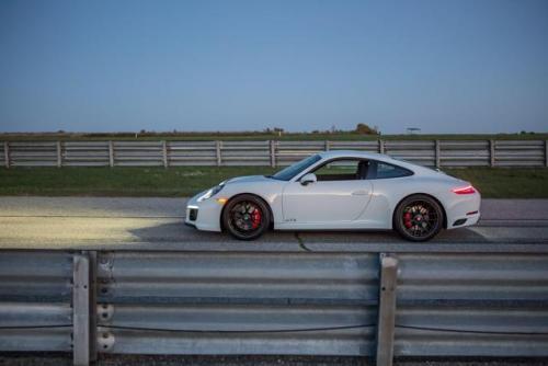 蔚来携手全球最大轨道赛车品牌卡雷拉 推出3款EP9轨道赛车